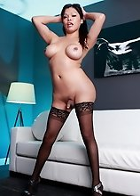 Sexy Carmen strips and plays