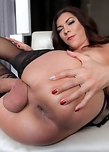 Gorgeous Kendra Sinclaire is here to show off her dick stroking ways. Just one look at that hard cock on her gets us all heated.Looking sexy as can be