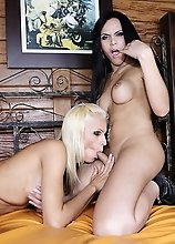 Dany shows newbie Nicolly how it's done!